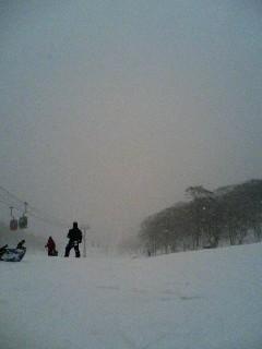 雪降りすぎ